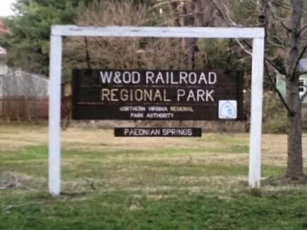 W&OD Trail sign in Paeonian Springs