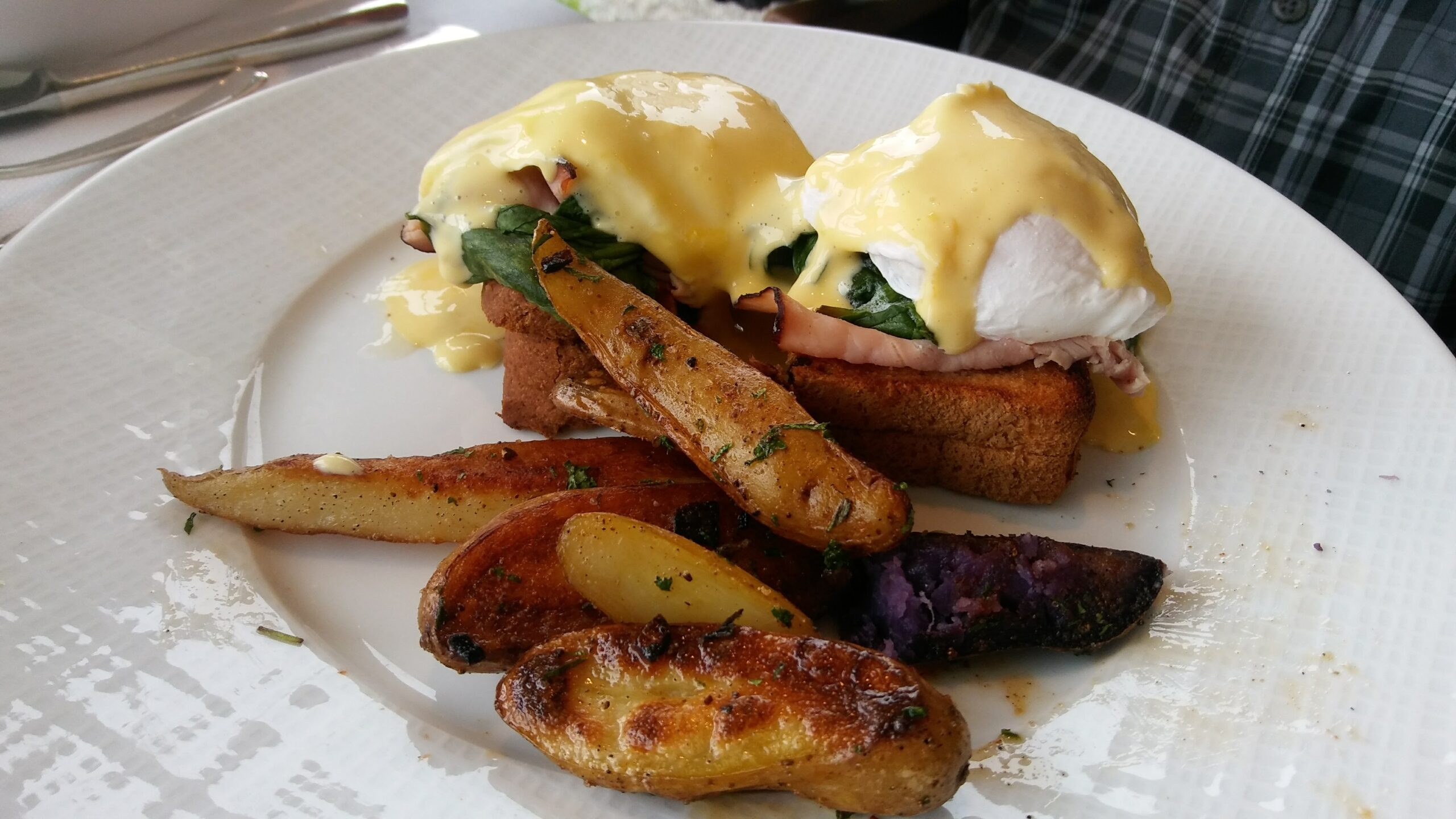 Delicious Eggs Benedict at Star Restaurant